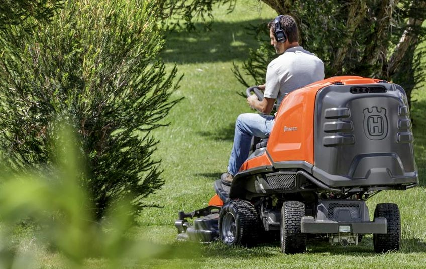 Electric Ride On Mowers