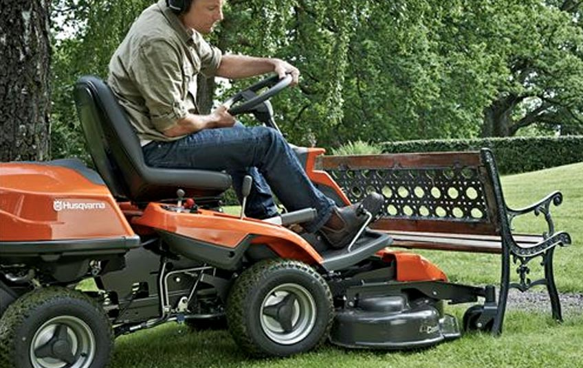 Electric Ride On Mower